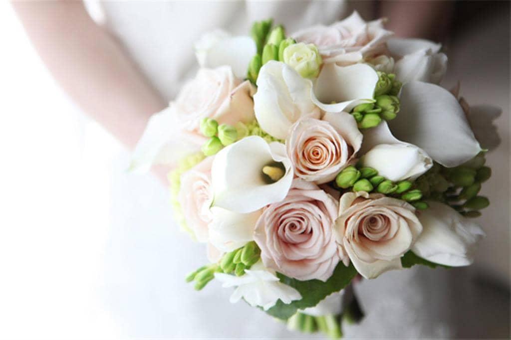 Bộ ảnh hoa cưới đẹp lung linh cho cô dâu