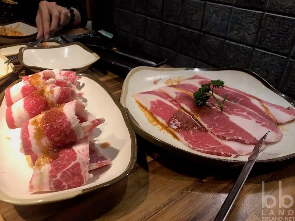 Ức bò mỹ sốt BBQ Vị Cay Hàn Quốc - GoGi House Đà Nẵng - Quán Thịt Nướng Hàn Quốc