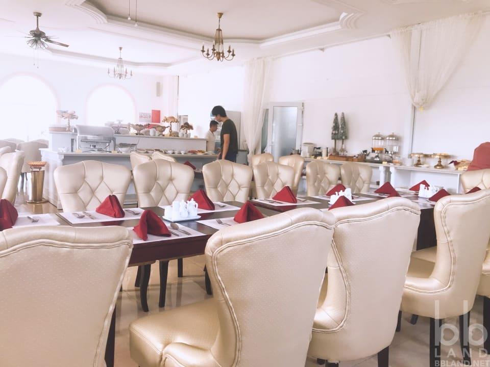 Ăn sáng tại La Vie En Rose Villa Đà Lạt