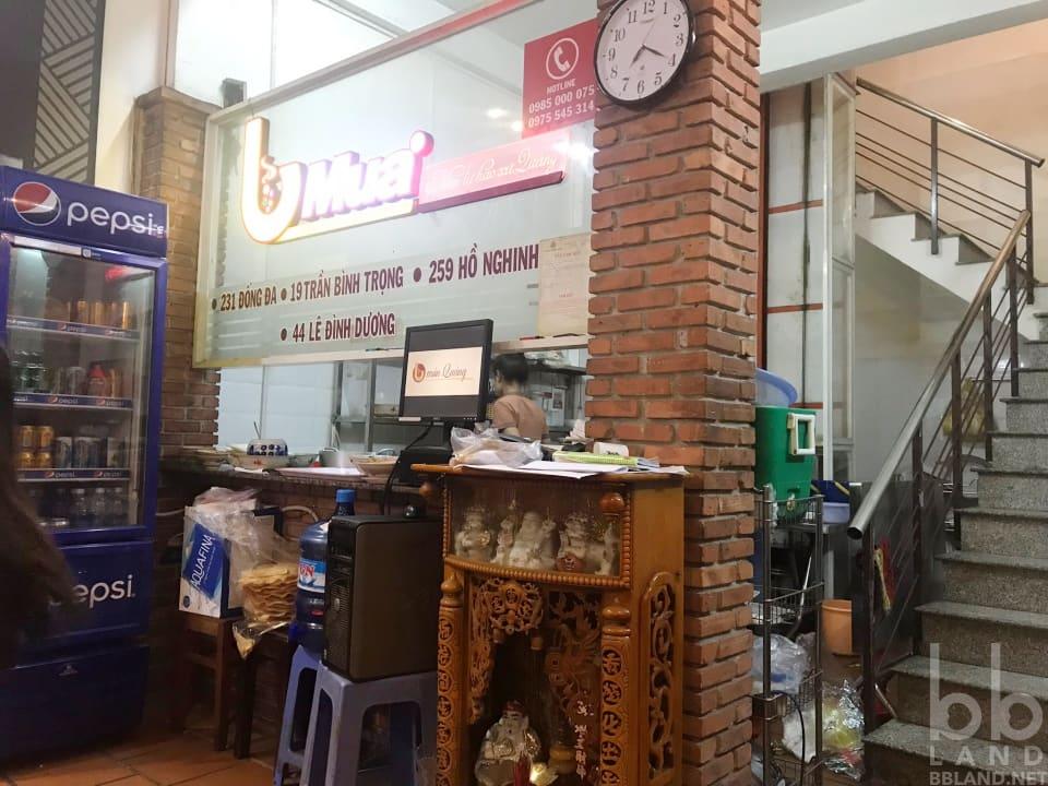 Không gian quán Mì Quảng Bà Mua Đà Nẵng